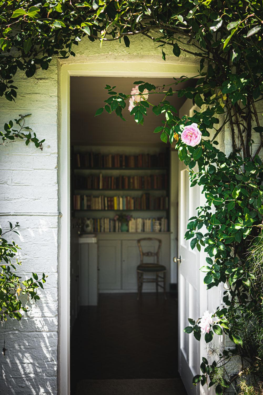 Monk's house-Virginia-Woolf-bedroom-entrance.jpg