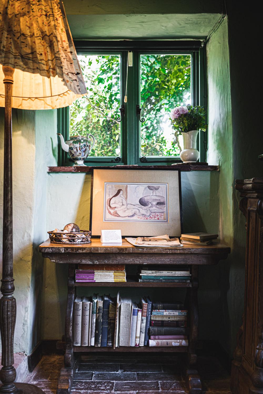 Monk's house-sitting-room.jpg