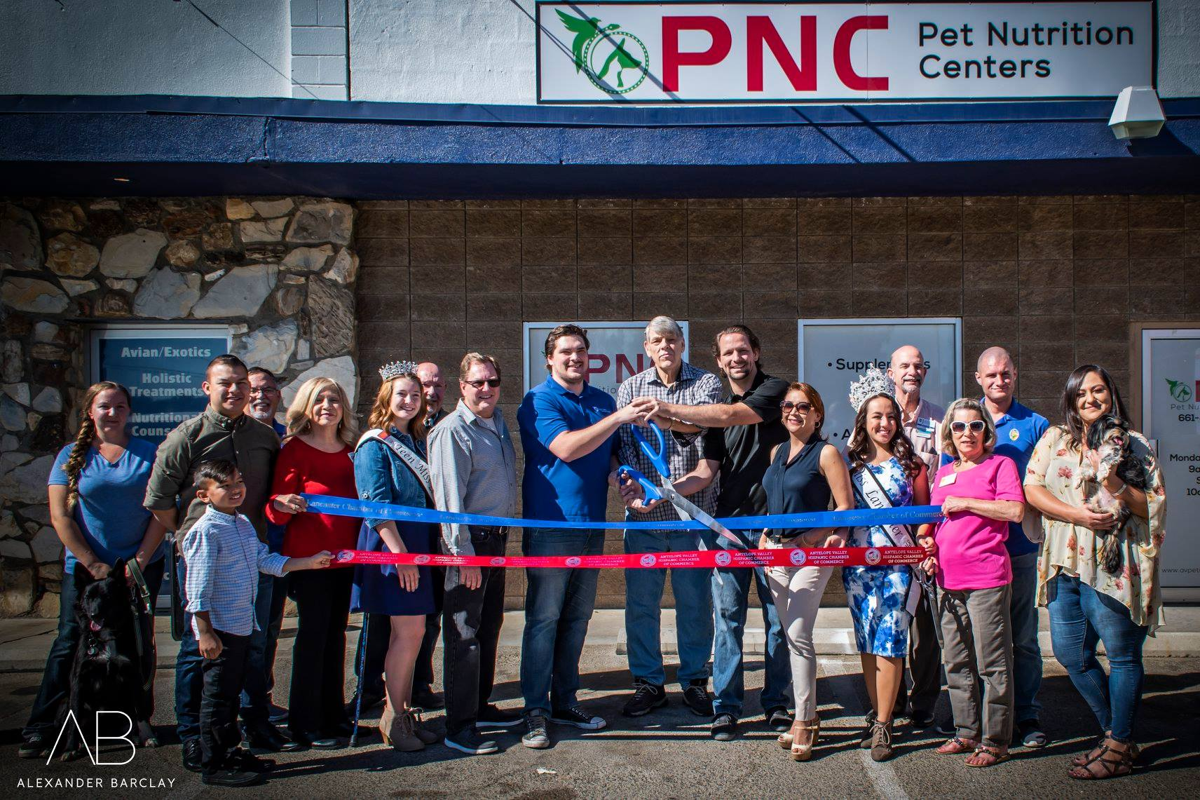 Pet Nutrition Centers is now open! Stop by and say hey! Directly next (and connected) to North Valley Veterinary Center. They carry the highest quality of food, supplements and treats. Along with many unique and fun accessories.