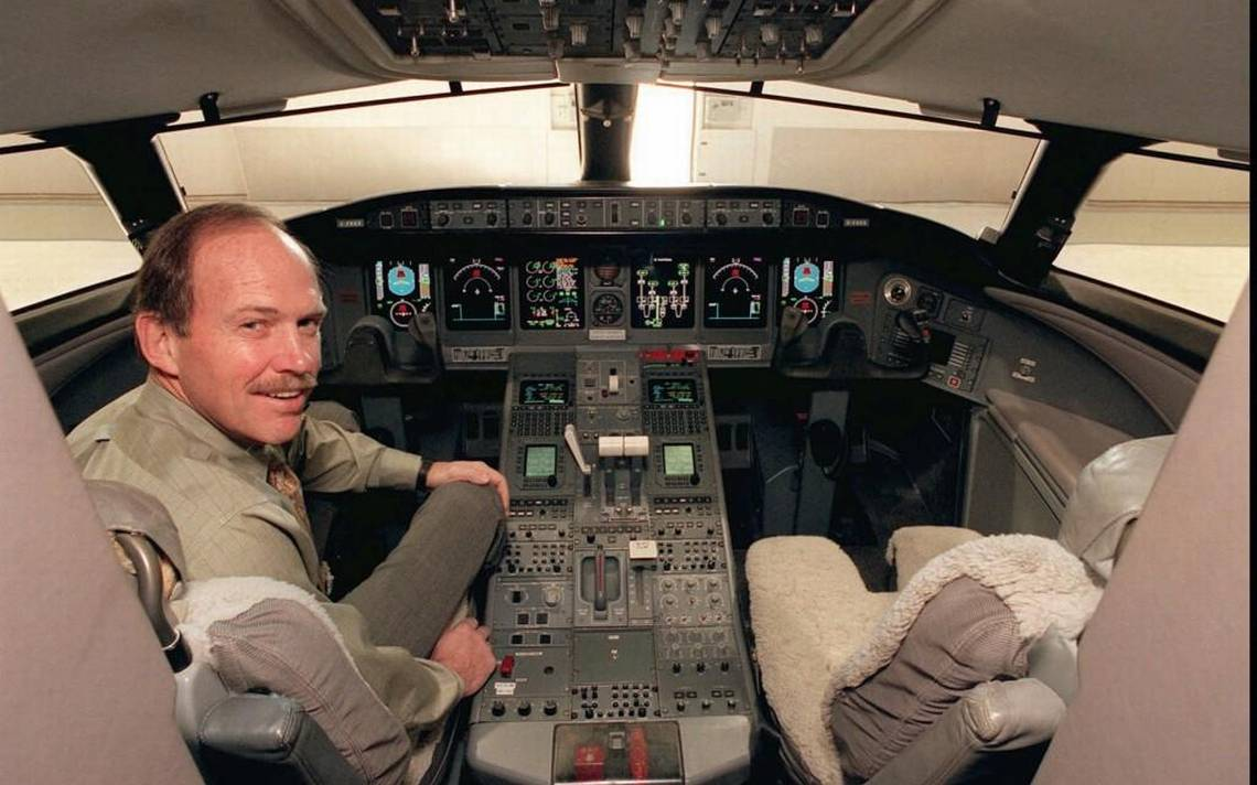 Before his untimely passing in 2014, Pete Reynolds was VP of Flight Test at Bombardier. He is shown here in the cockpit of a Bombardier Global Express business jet in 1999.