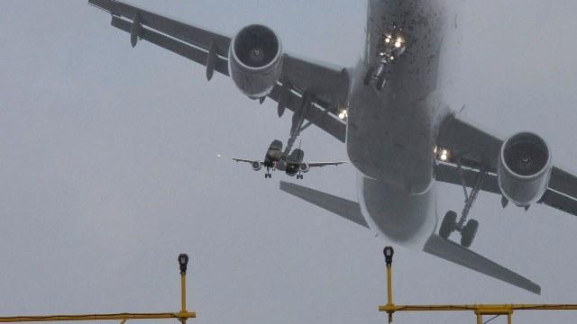 Airplane Go-around.jpg