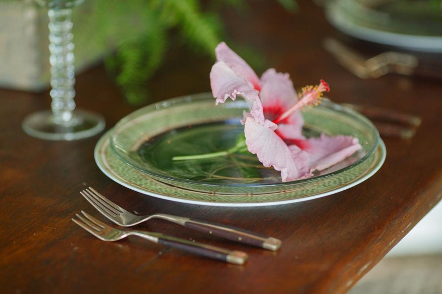 maui bride and groom table