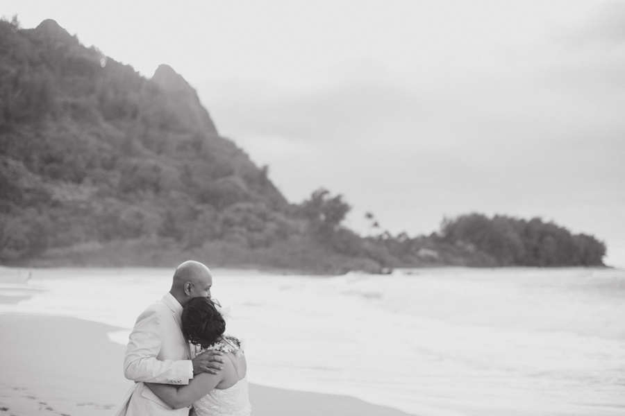 black and white tunnels wedding photography