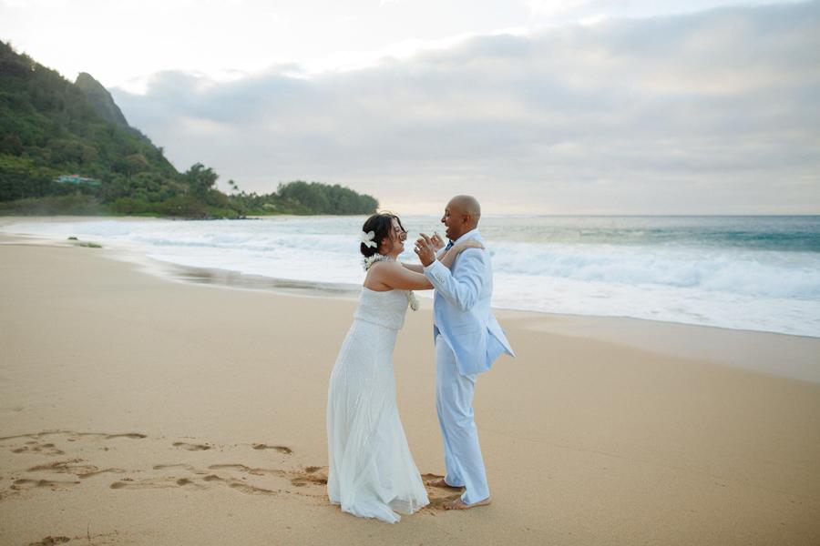 kauai intimate elopement photography