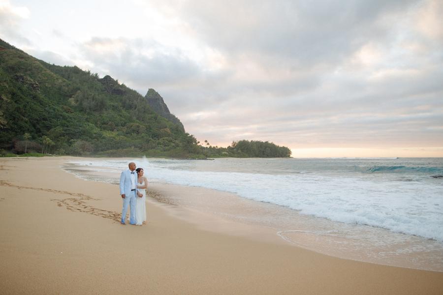 kauai beach wedding photographer