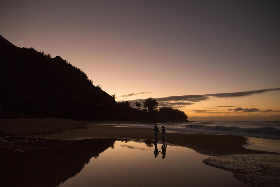 kauai sunset wedding photographer