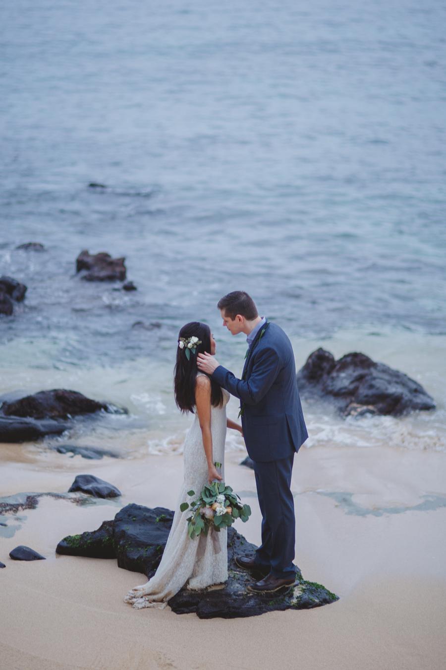 romantic wedding maui photographer