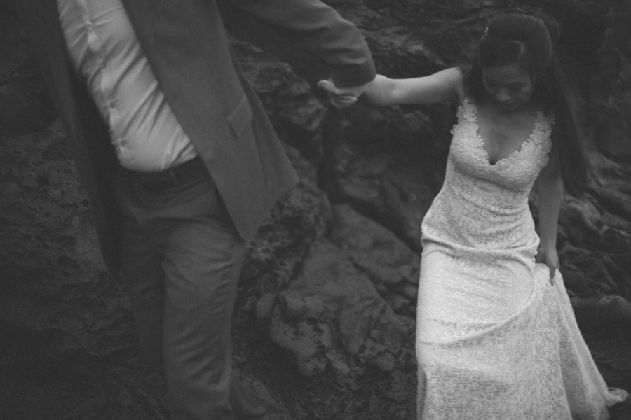 black and white maui elopement photography