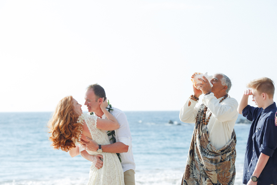 112-fun-maui-elopement-photographer.jpg
