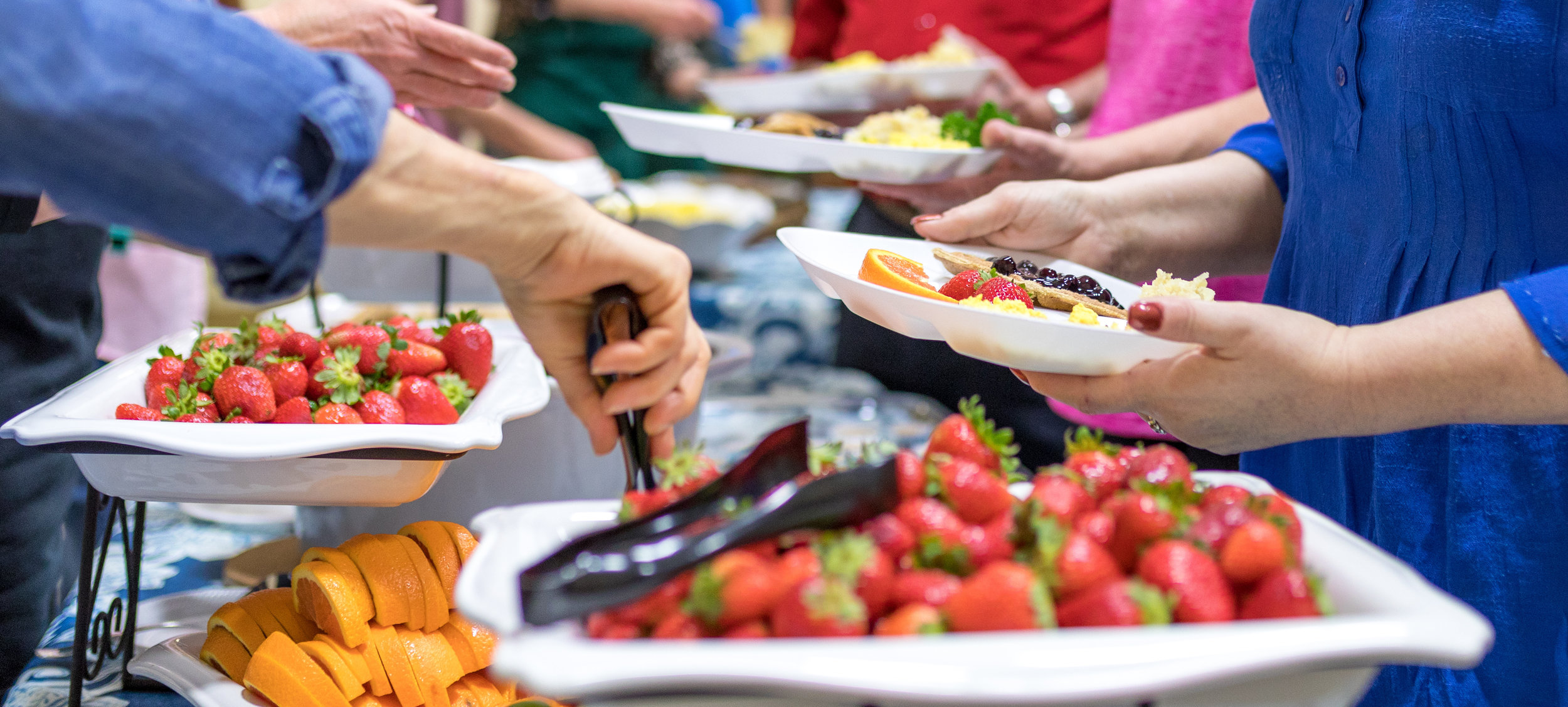 As part of the Dinner with the Doctor program, on alternate months attendees enjoy a complete, whole-food, plant-based meal prepared and served by church members and other volunteers.