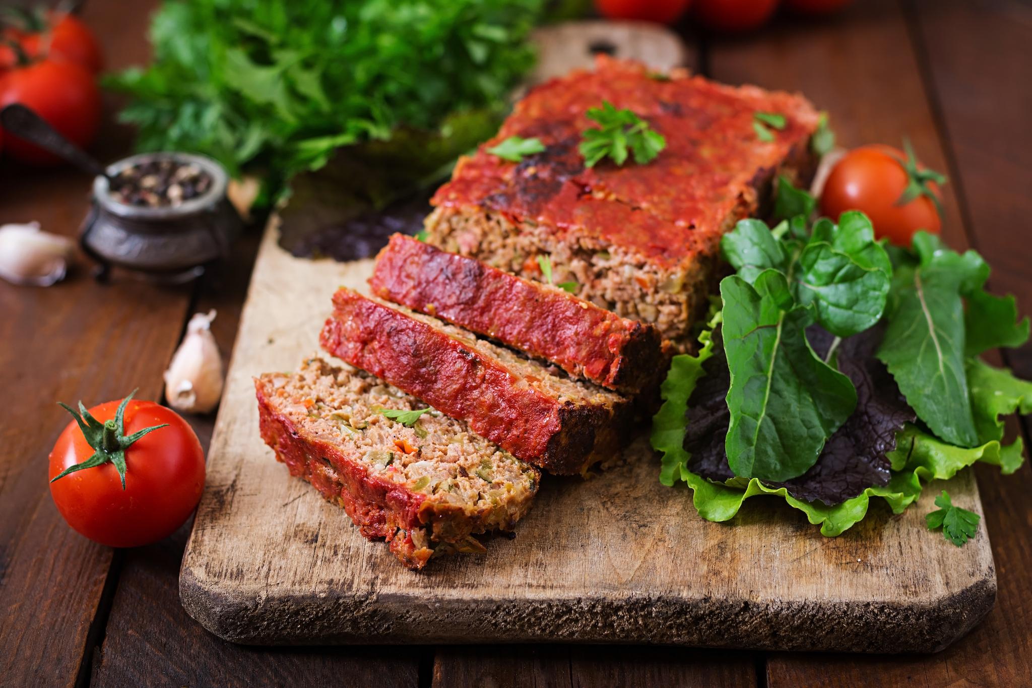 homemade-ground-meatloaf-with-vegetables.jpg