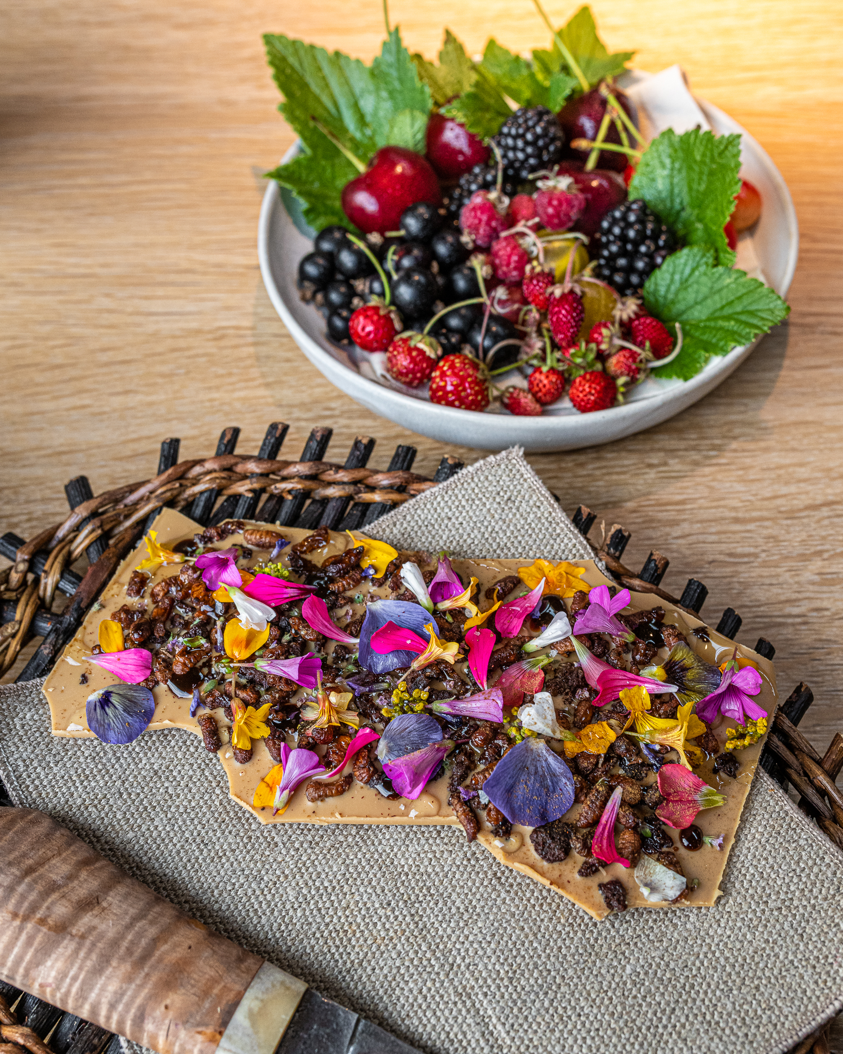Crispy Bees Cooked with Chocolate and Berries