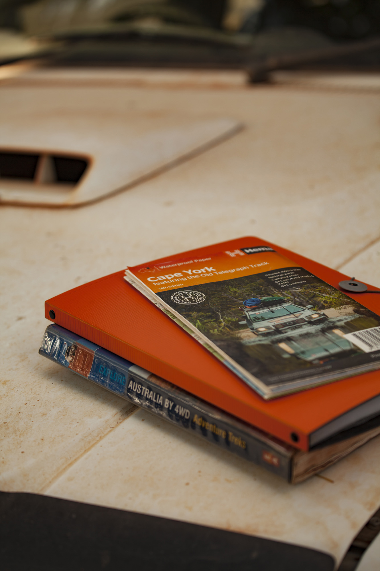 HEMA map (not guide), along with an old guidebook & our itinerary.