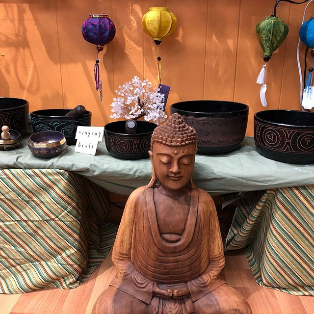Last 2 days of our 25% off gift sales.  If you need a birthday gifts for that special Libra,  Scorpio or Sag.  Or getting a jump start for the holidays.  Come on down and say hi.
