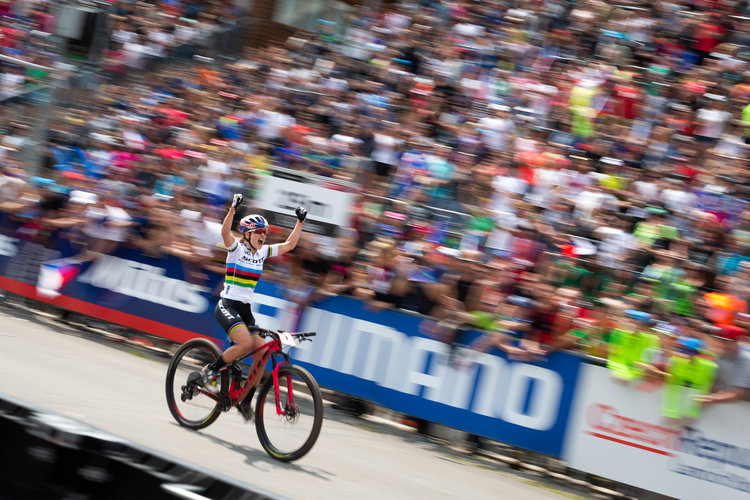 6a035599462 kate courtney takes historic back to back wins at the opening rounds of the  2019 uci mtb world cup