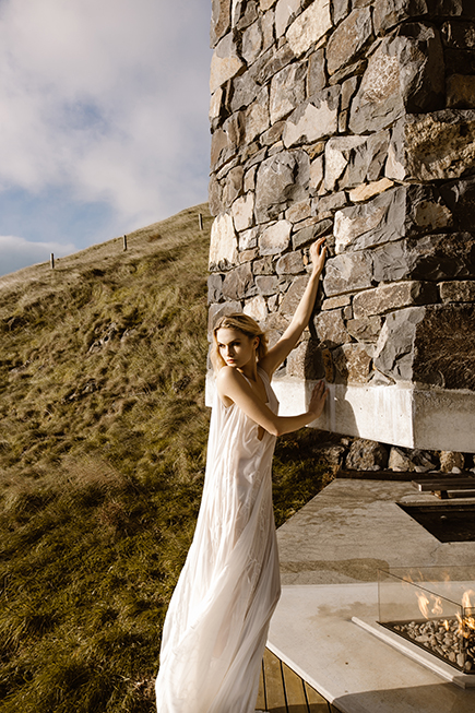 Beautful and romanic bridal gown by Australian L'eto Bridal