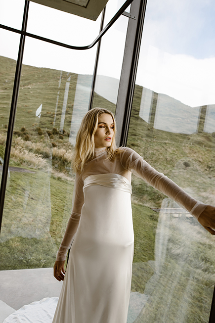 Modern take on the wedding gowns : simple chic silhouettes by Australian L'eto Bridal