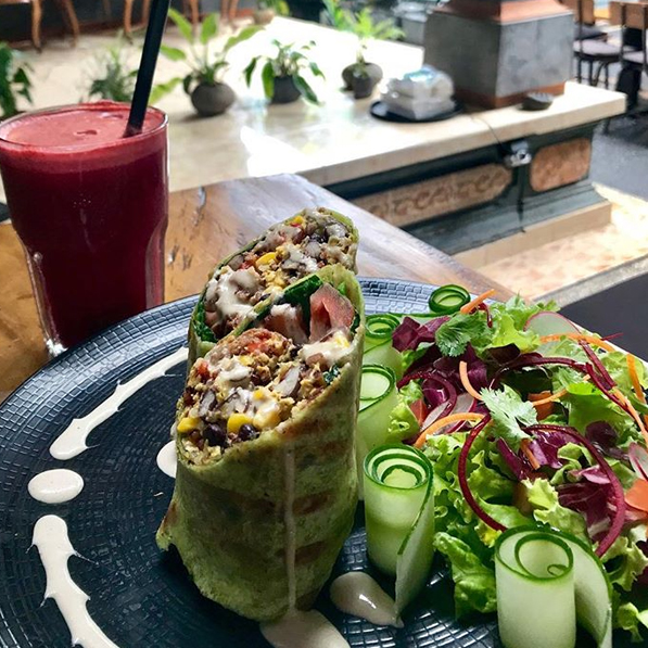 Organic breakfast burrito at Cafe Vida  Ph:  @cafe_vida_bali