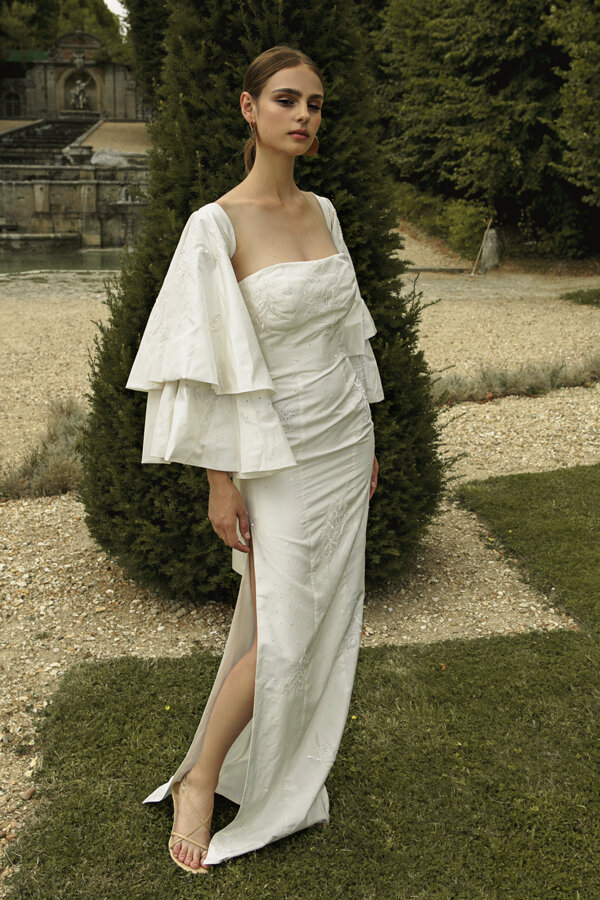 Piece 30 | Fitted wedding dress with lavish embrodiery and flared sleeves by L'eto Bridal