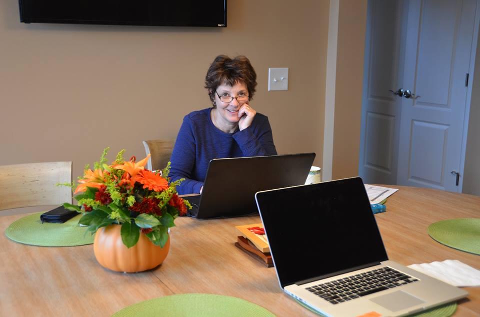 Laurie at GAil's Nov 2017.jpg