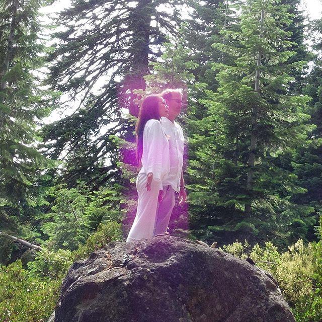 Ultra violet pink light // today on Mt Shasta // I am the love that loves you // #mtshasta #starseed #spiritual #spiritualretreat #awake #spiritualawakening #ascension #ascendedmasters #venusian #5d #fifthdimension #meditation #love #healinglight #starseeddreamschool #mtshastaspiritualtours