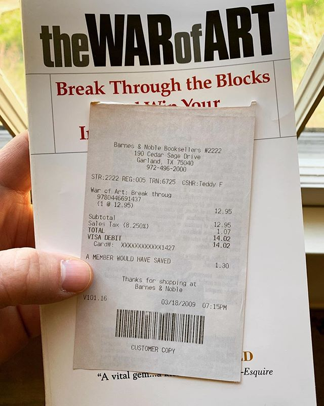 This book has popped up in my feed a few times lately. I read it awhile back, but I figured why not give it another run through. I always use the receipt as my book mark and when I opened it up last night it was almost exactly 10 years to the day I bought it. Here's to another 10 years of creativity. #thewarofart