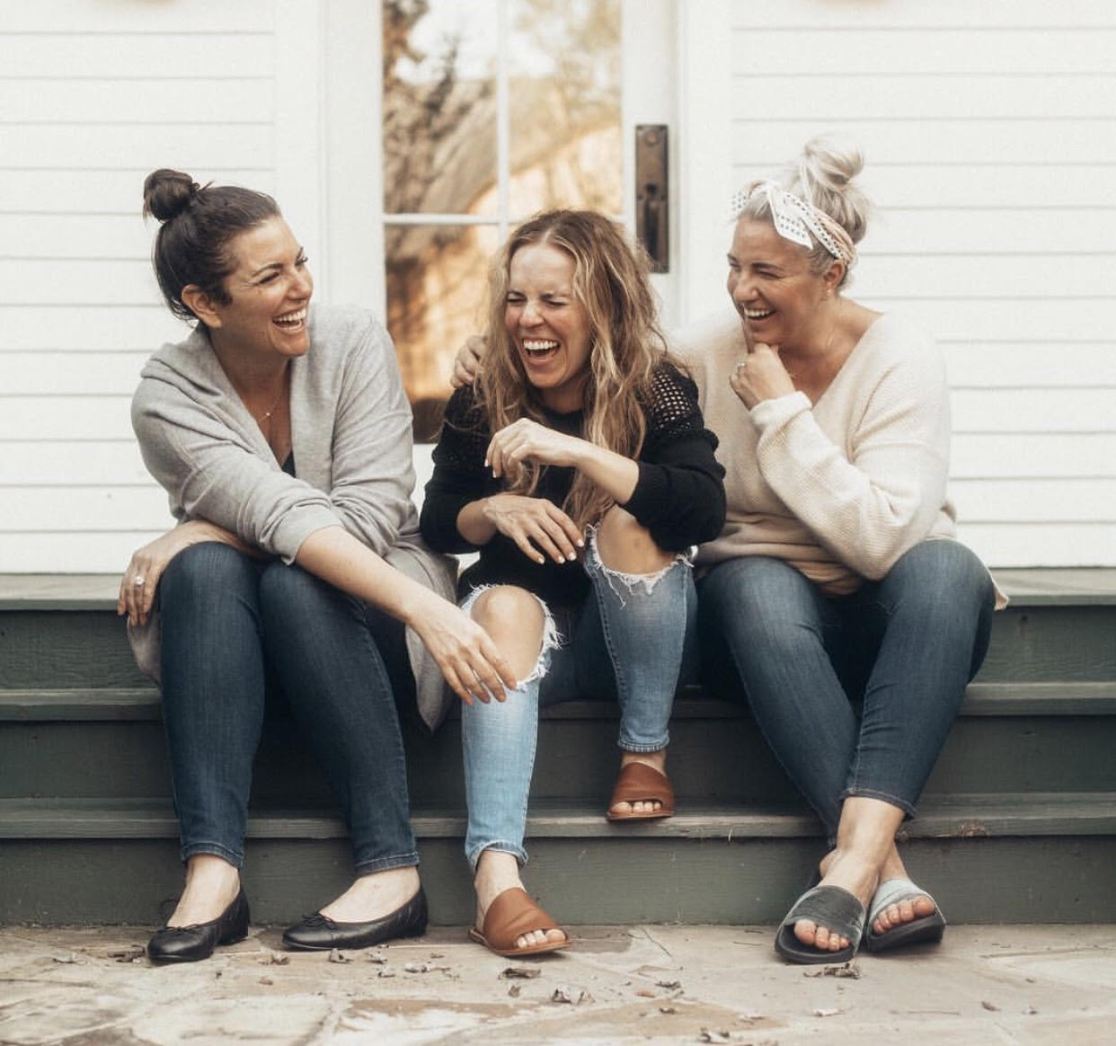 Why Women Need to Start Lifting Other Women Up -