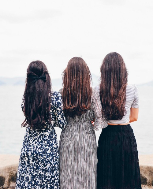 How to Actually Be There for a Grieving Friend -