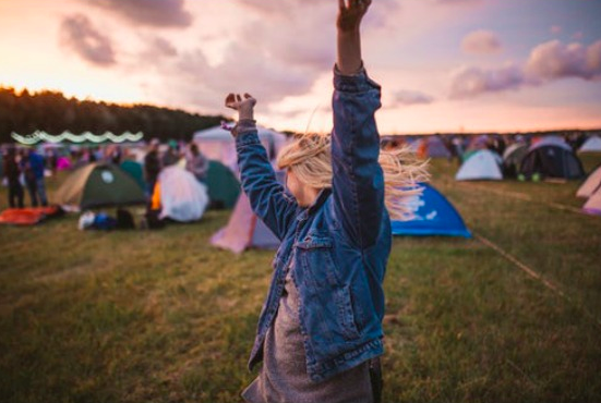 9 Tips to Make This Music Festival SZN the Best One Yet -