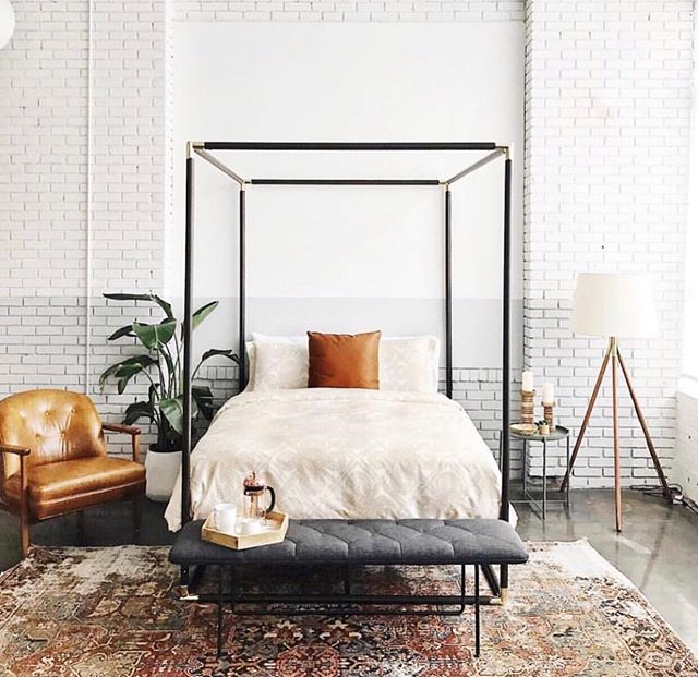 It may be Monday, but I'd rather stay in bed. Anyone else? And does anyone have any advice for beating that notorious Monday dread? • photo by: @audreycrispinteriors