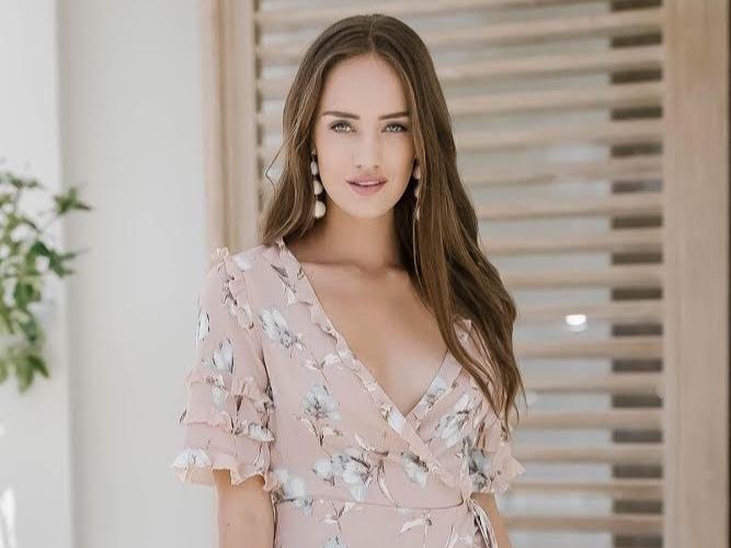 Watch Her Bloom: Learn How Diana Moebius Created La Bloom Beauty - Career Profile
