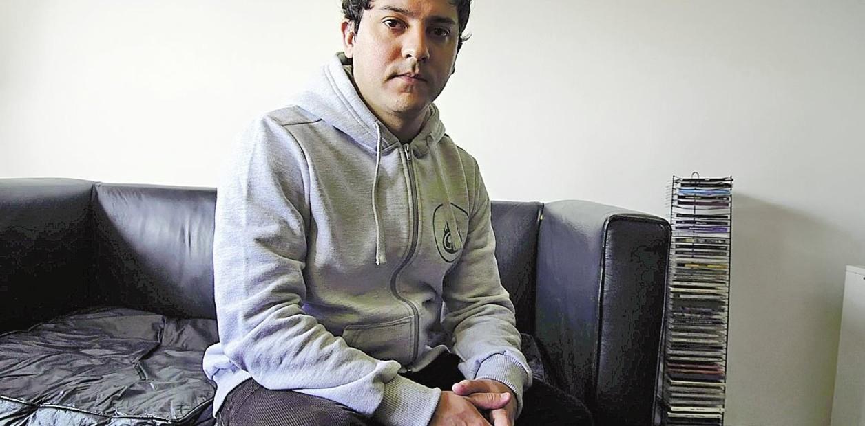 IMAGINARIO BONAERENSE. El joven, y sereno escritor de 32 años, elige trabajar con su tierra./Diego Goldmann.