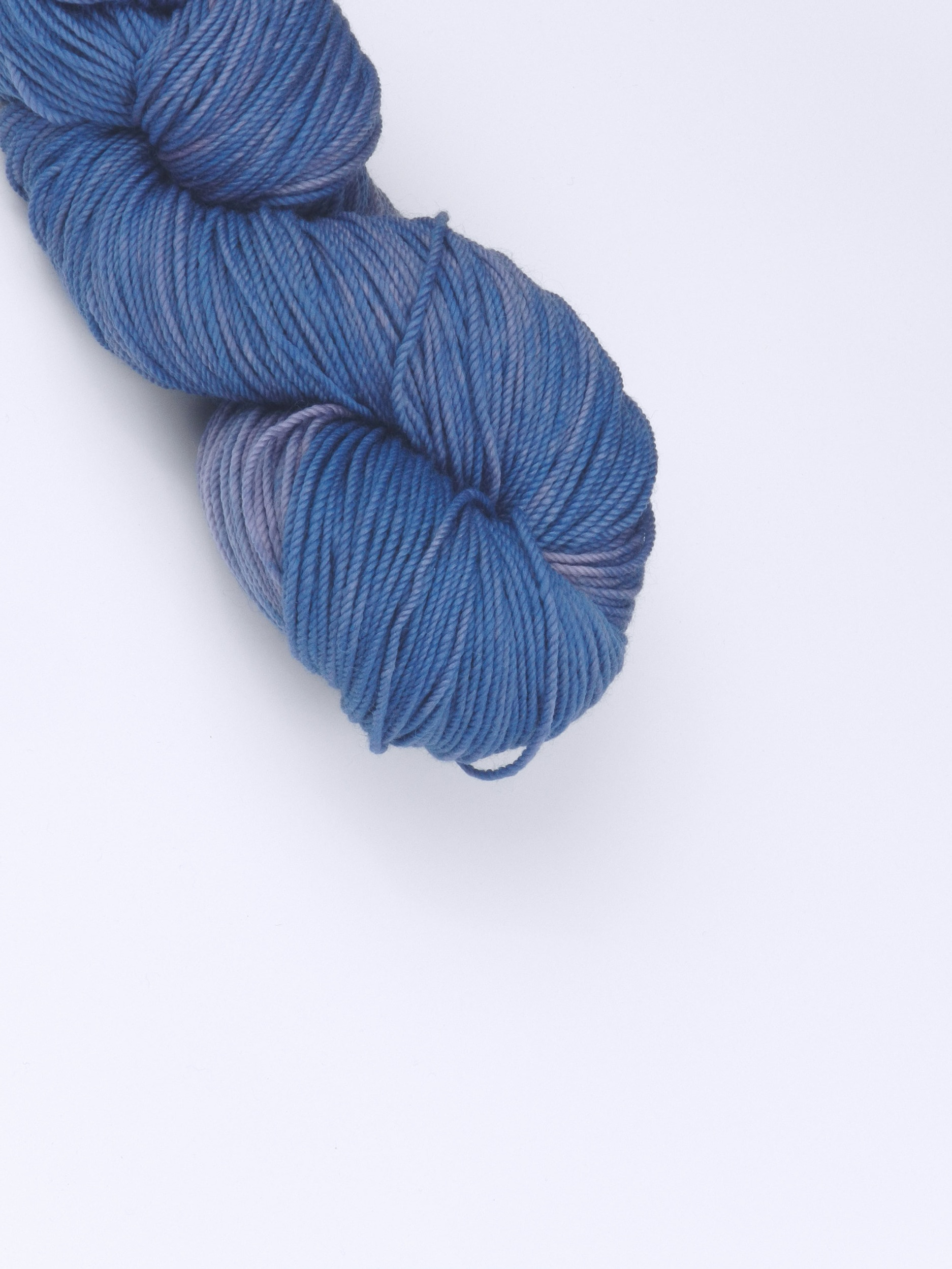 Organic Merino Sport - Naturally Dyed ORGANIC MERINO - 3ply sport - 115g - 256 meters/280 yards.Use US 6-7 / 4-4.5mm needles100% organic merino wool, spun in Canada and hand-dyed with plant dyes in Madeira Park BC by EVERLEA YARNShown in Twilight