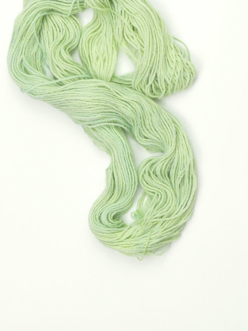 Canadian Alpaca Plus - Naturally Dyed CANADIAN ALPACA PLUS - 3ply DK weight - 100g and 189 meters/207 yards. Use 4-5mm knitting needles.75% Canadian (Alberta) Alpaca, 25% merino wool, spun in Alberta and dyed with plant dyes in Madeira Park by EVERLEA YARNShown in Fresh Green