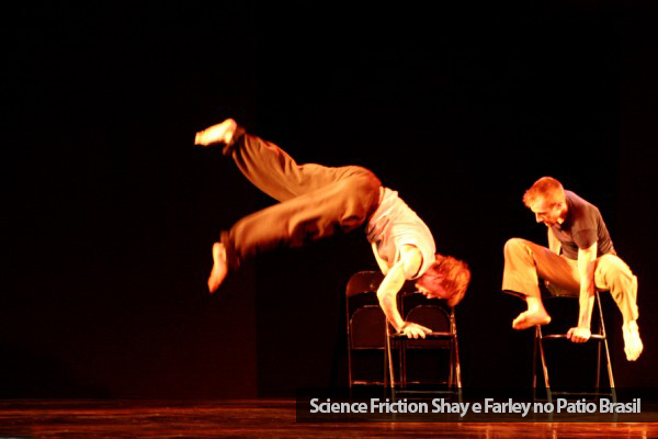 Science-Friction-Shay-e-Farley-no-Patio-Brasil.jpg