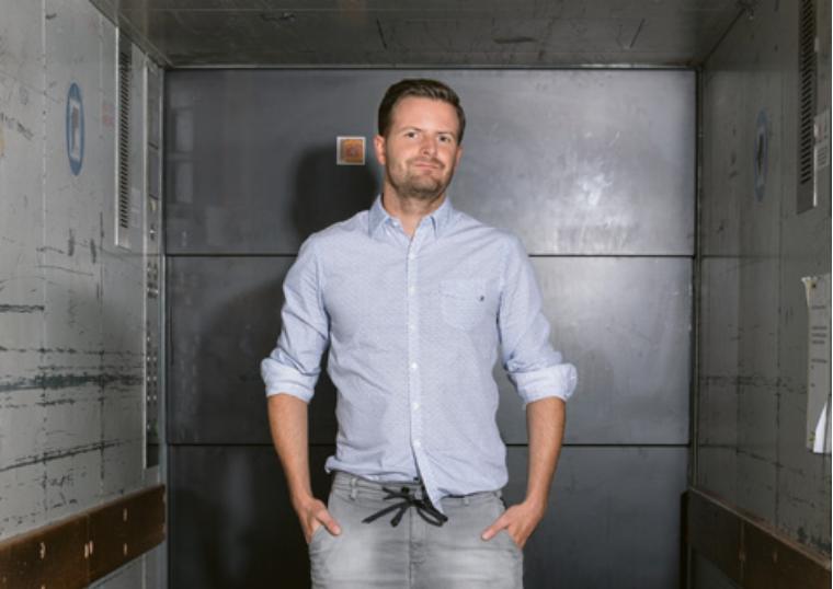 «Kulinarischer Provokateur – Sternekoch Pascal Schmutz tut weit mehr als Essen zubereiten. Mit seinen diversen Kooperationen und Projekten will er der Schweiz zu besserem und vor allem gesünderem Essen verhelfen.» - → Zum Artikel im Punkt Magazin