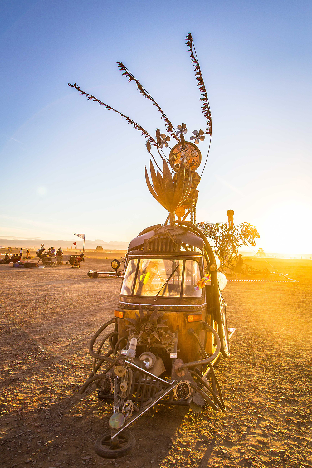 afrikaburn-mutant-vehicle-1.jpg