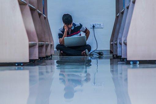 Lesen am Computer ist anstrengender für Körper und Geist