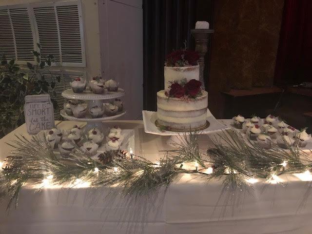 Caroline Davies Wedding Cake.jpg