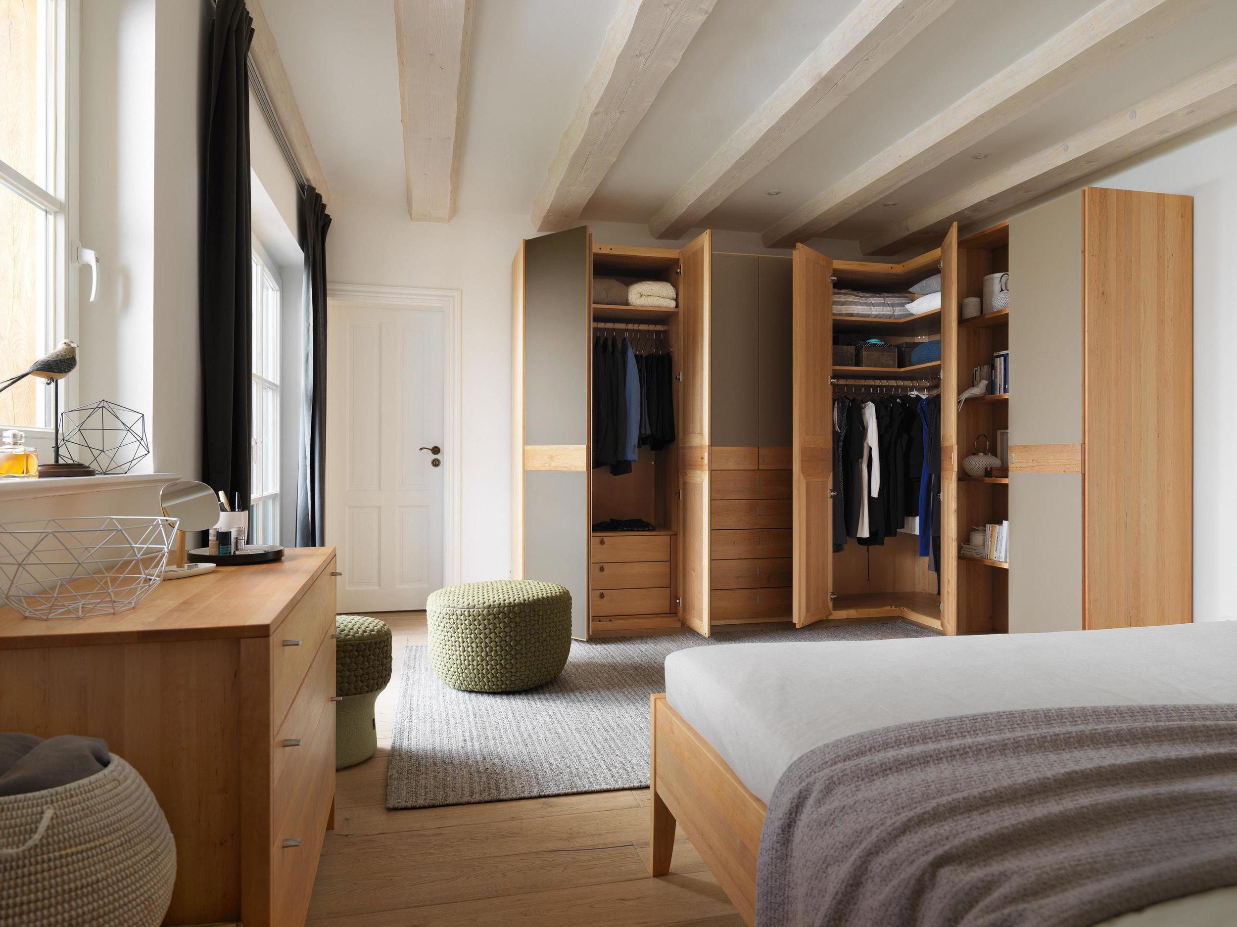 t7-bedroom-0094-b.jpg