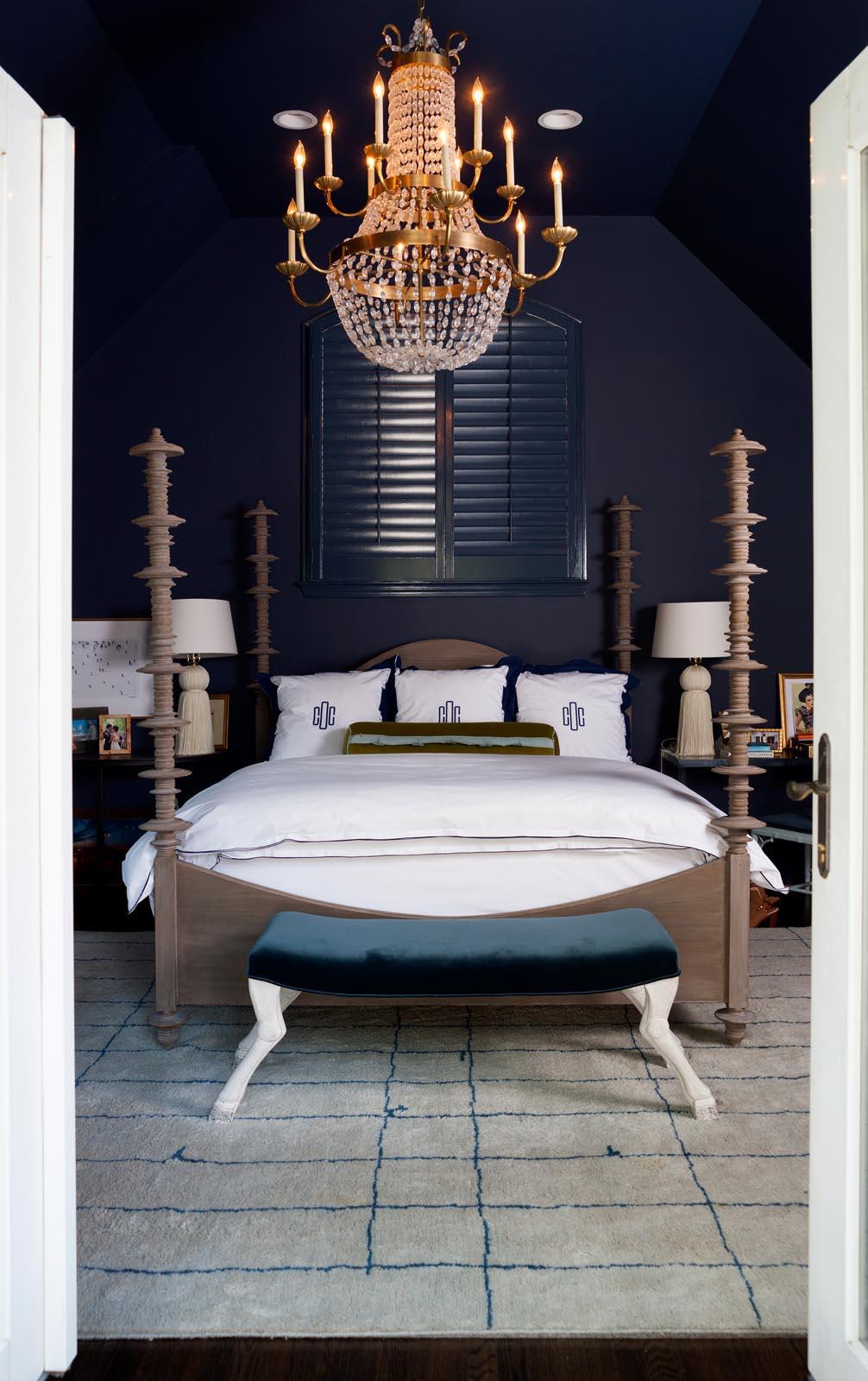 14 - Oursiman Bedroom Vert.jpg