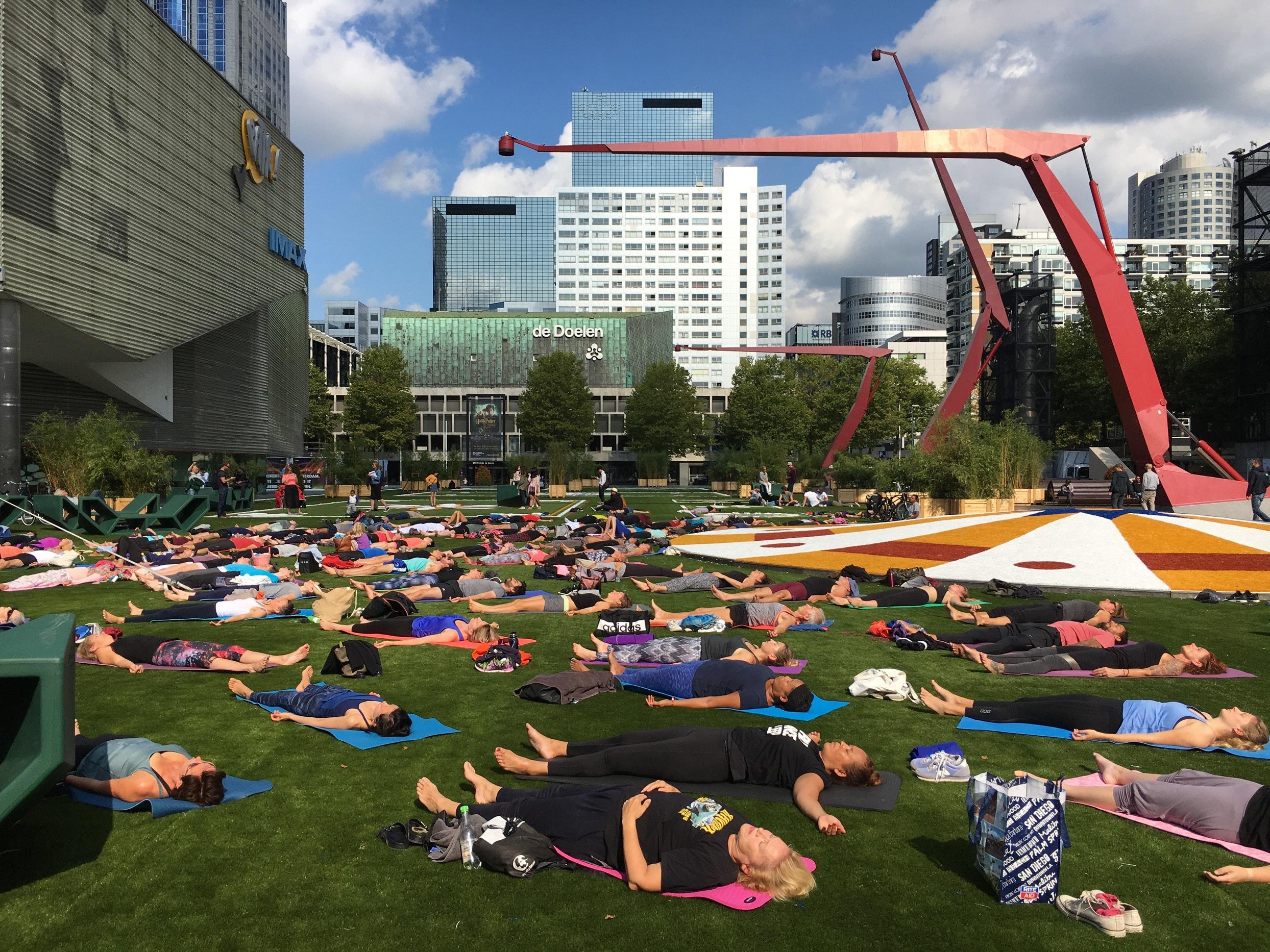 yoga-Schouwburgplein.jpeg