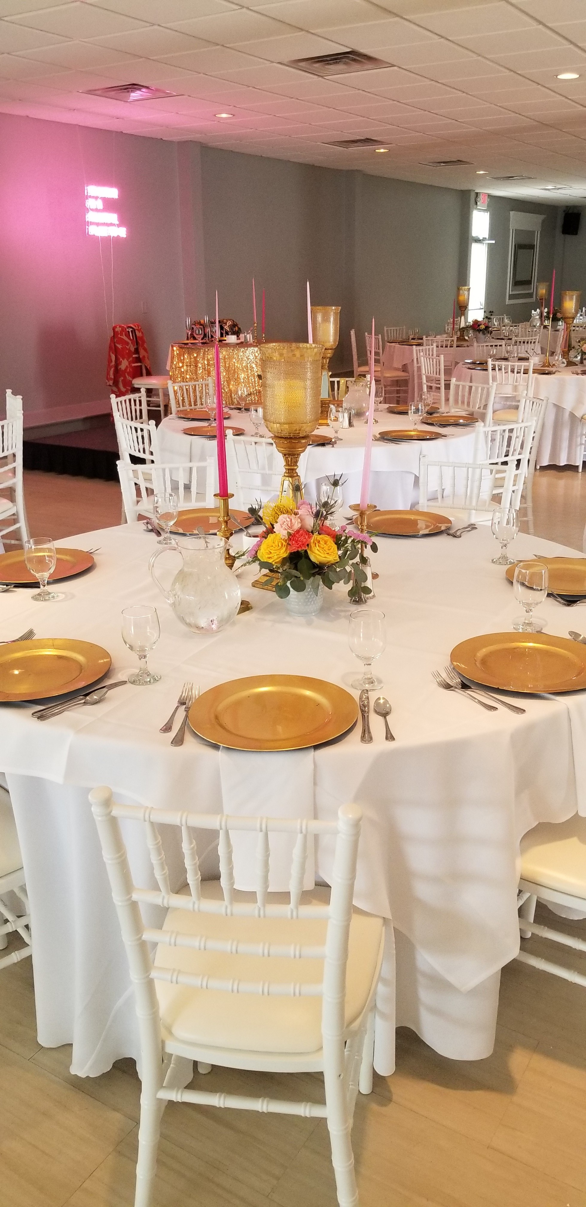 Lily Reception Guest Table.jpg