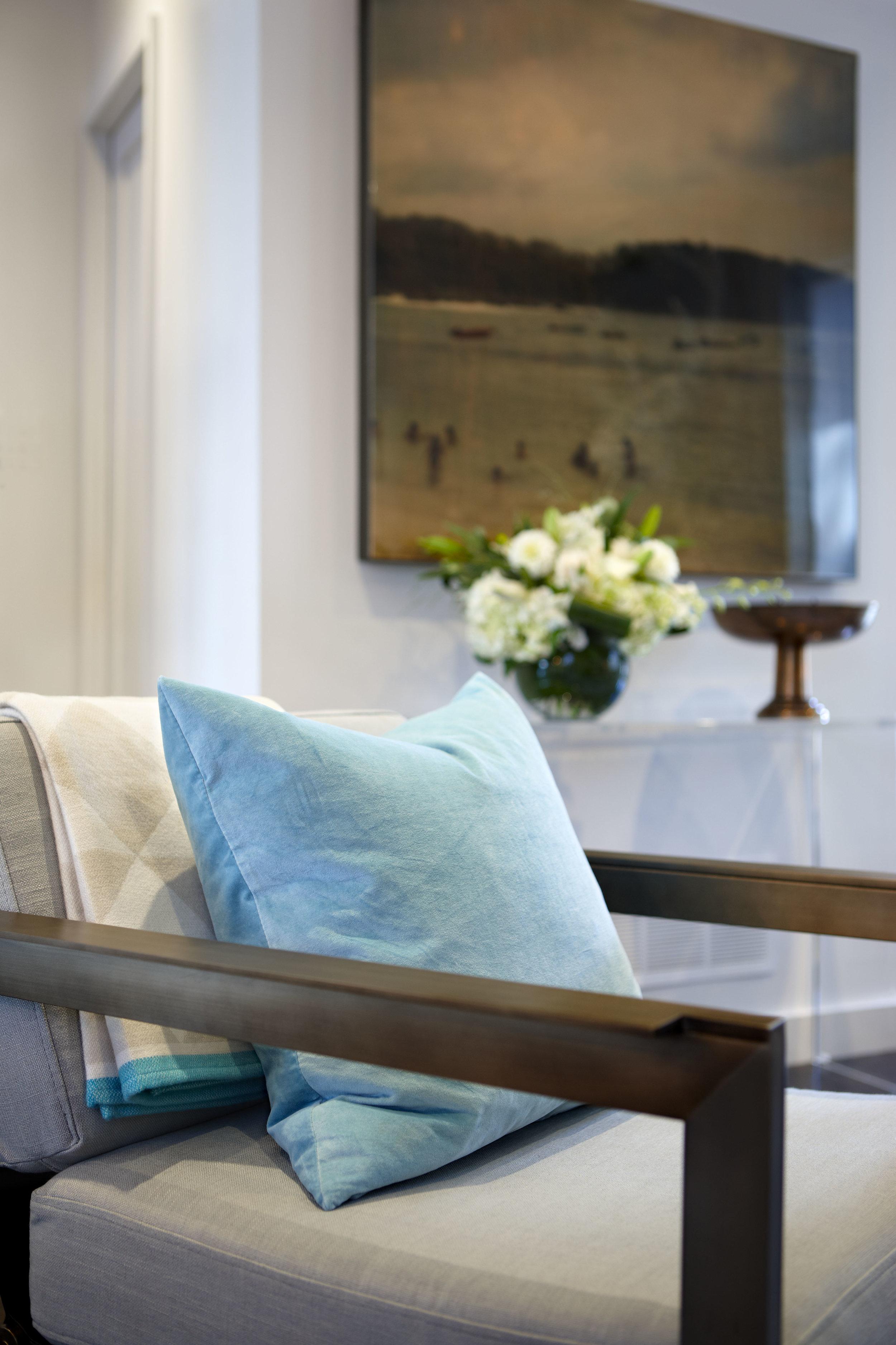 teal-velvet-cushion
