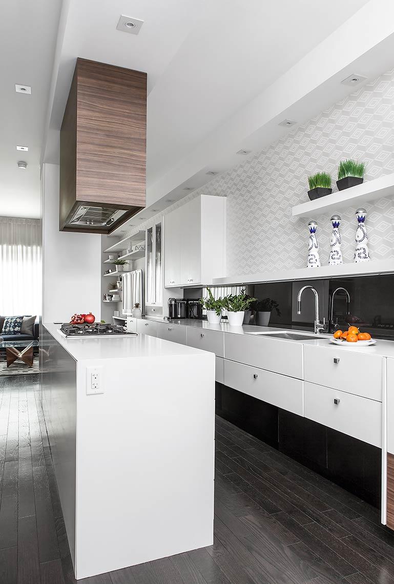 white-high-gloss-kitchen