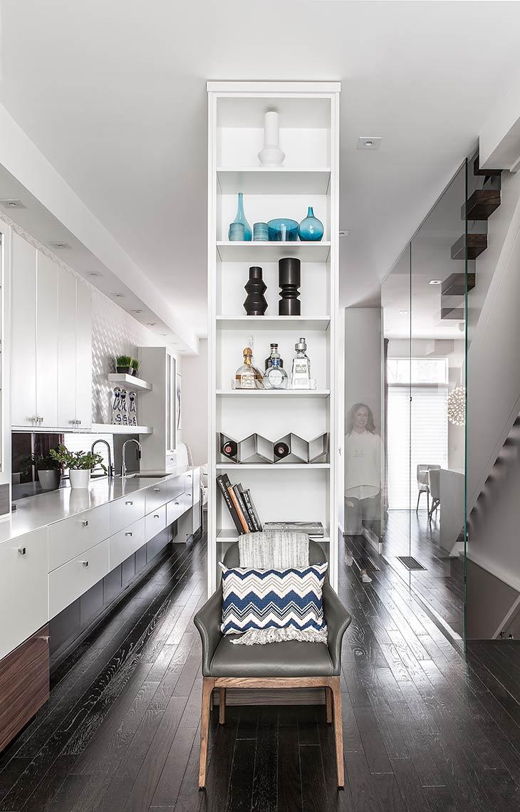 floor-to-ceiling-shelf