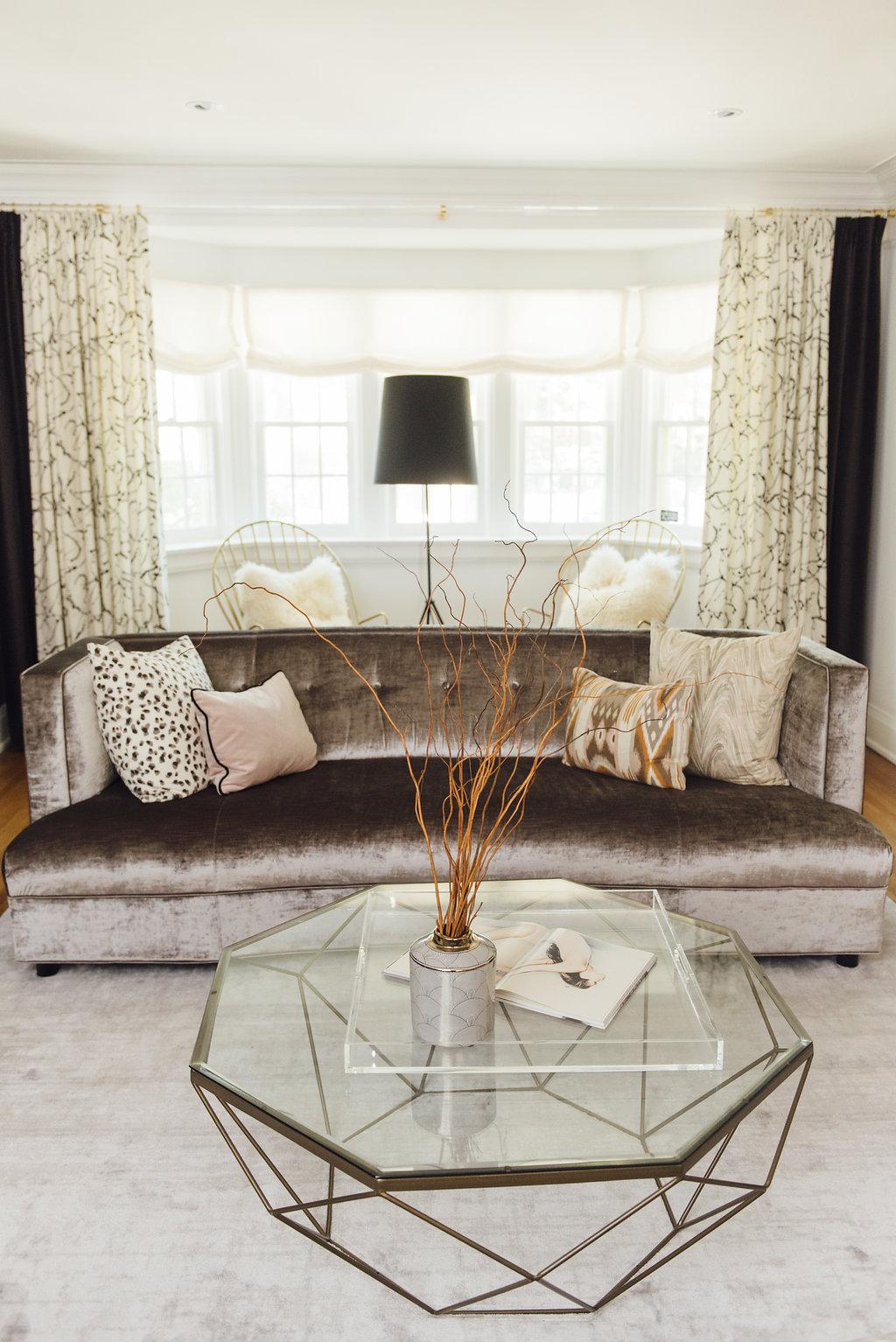tuffed-velvet-couch