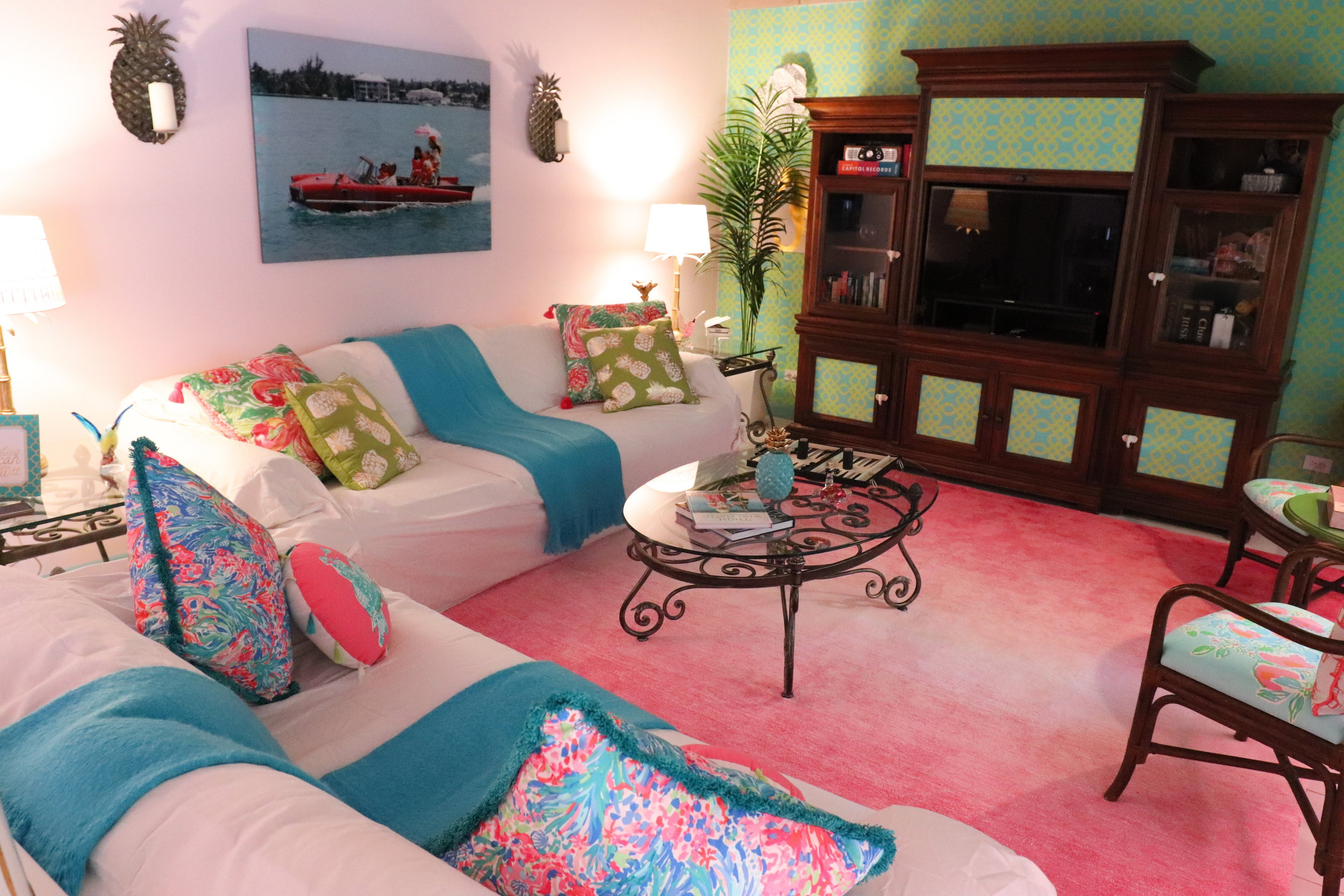 sweet-escape-cottage-paradise-island-lily-pulitzer-livingroom
