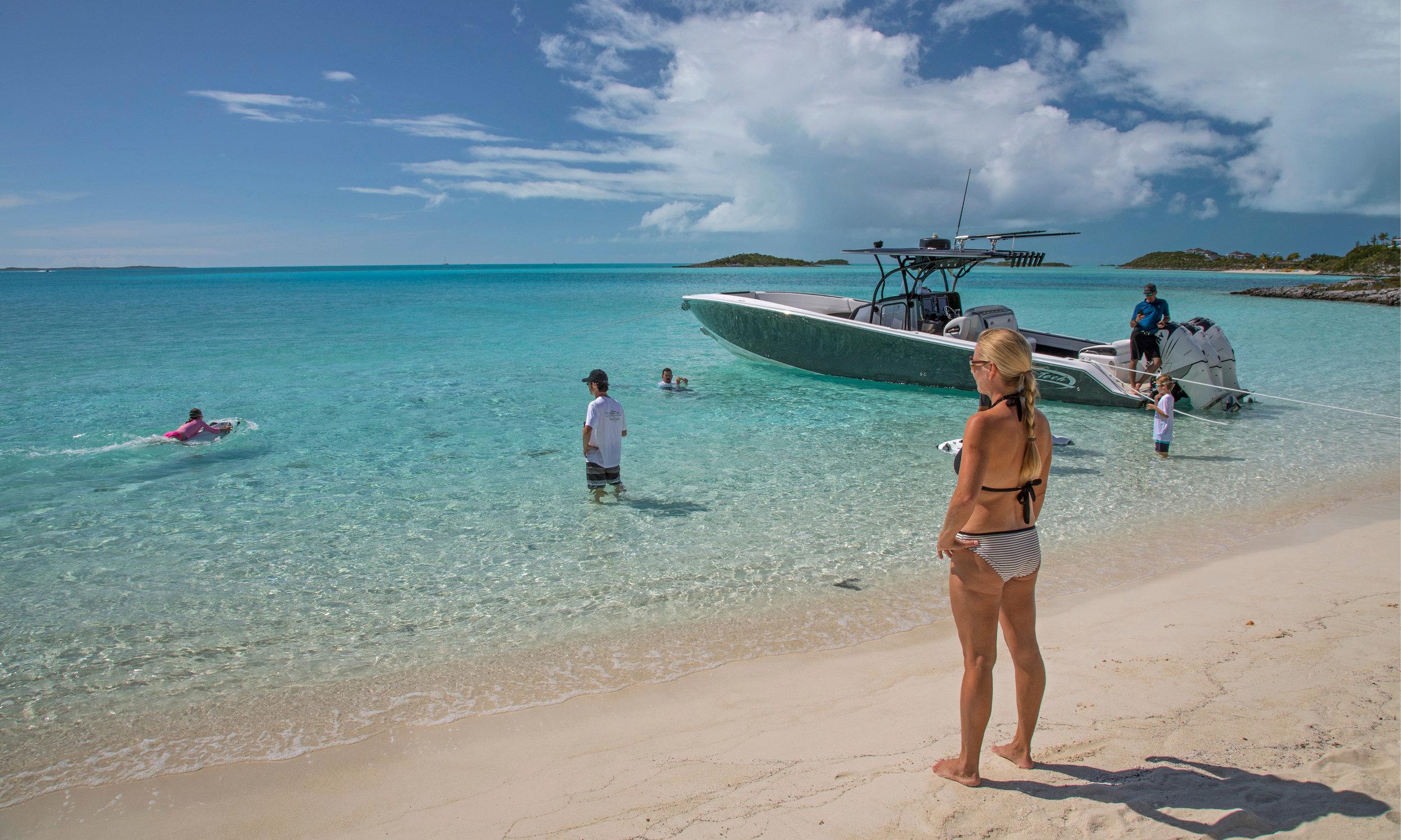 Exuma-charter-yacht0-sweet-escape-sandbar-sand-bank-bahamas-swimming-pigs