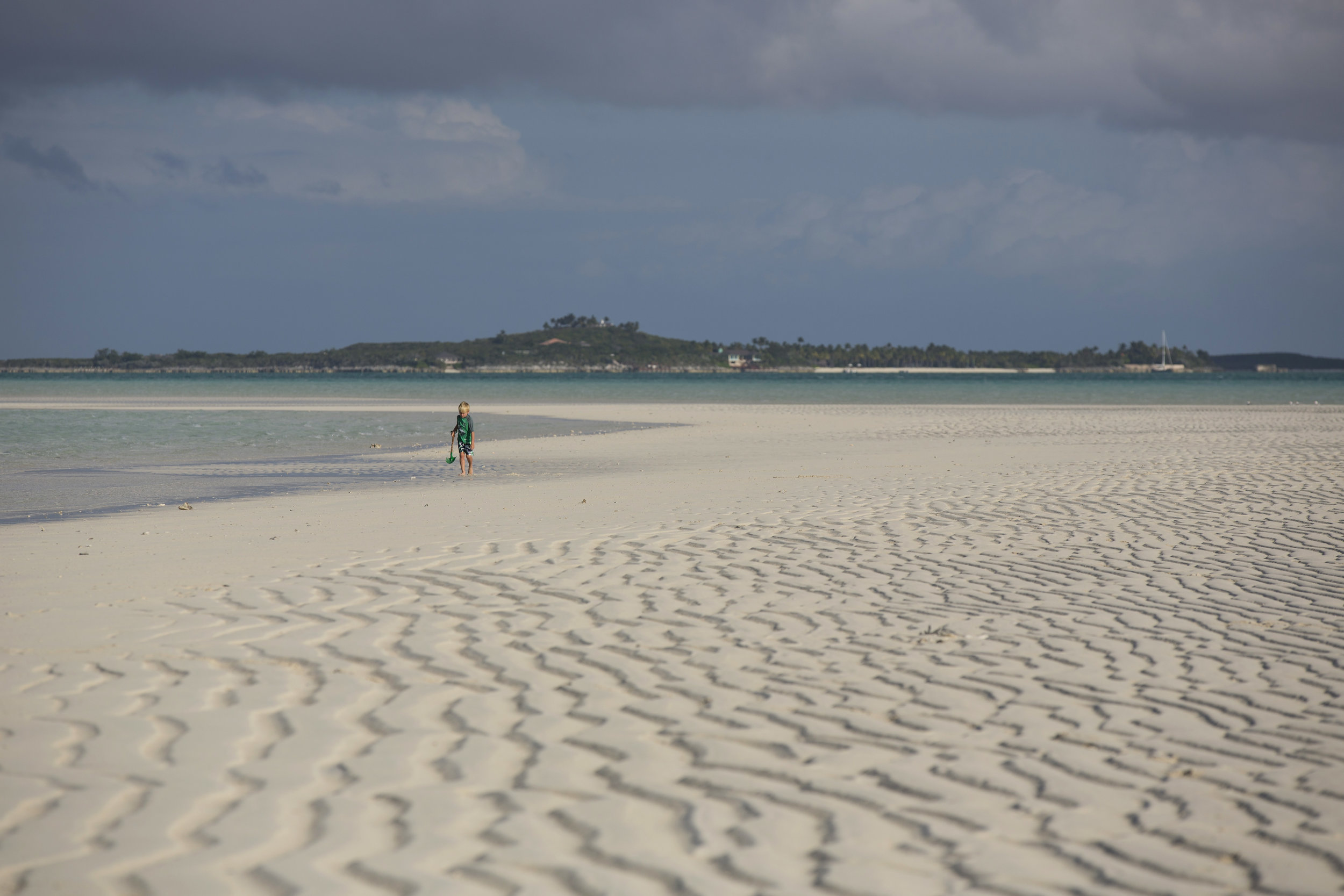 jason-decaires-taylor-Atlas-Yacht-sweet-escape-charter-dive-snorkle-activities-destinations-bahamas-luxury-eco-tourism-mdermaid-copperfield-rudder-cut-cay-exuma-sand-bank-sand-bar-bahamas